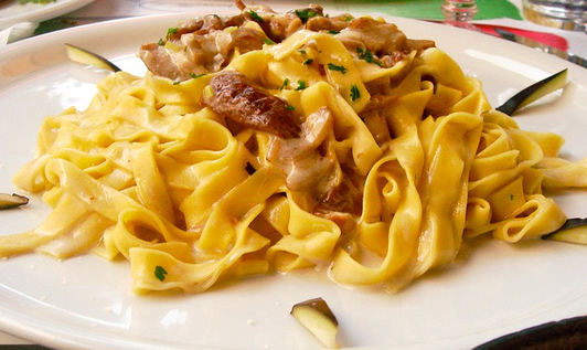 Tagliatelle pasta with porcini mushrooms*